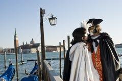 狂欢节夫妇威尼斯 免版税库存图片