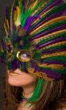 狂欢节屏蔽和构成的美丽的妇女 库存图片