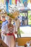 狂欢节服装的古巴妇女 免版税库存图片