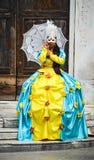 狂欢节服装的女孩 免版税图库摄影