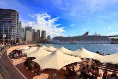 狂欢节精神靠码头在环形码头,悉尼 免版税图库摄影