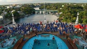 狂欢节远离拉罗马纳,多米尼加共和国的微风航行 免版税图库摄影