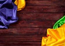 狂欢节:五颜六色的布料背景 库存照片