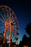 狂欢节ferris发光的轮子 免版税库存照片