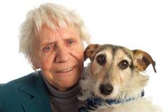 狗年长的人妇女 库存图片