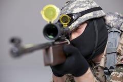 狙击手射击 免版税库存照片