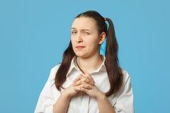 狡猾的女孩思想家 免版税库存照片
