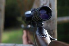 狩猎步枪枪的范围 库存照片