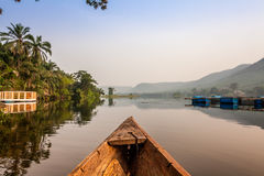 独木舟乘驾在非洲 免版税库存图片