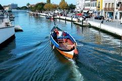 独木舟在阿威罗,葡萄牙 免版税库存图片