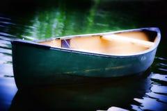 独木舟绿色 库存照片