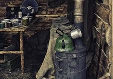 独木舟苏联士兵内部在第二次世界大战,重建期间的 库存照片