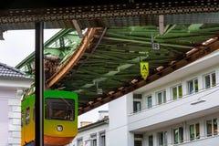 独特的停止火车在伍伯托,德国 库存图片