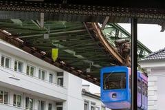 独特的停止火车在伍伯托,德国 免版税库存图片