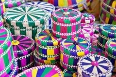 独特的充满活力的手织的传统Bajau礼物盒 库存照片