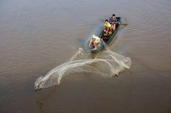 独特的姿势's渔夫,当塑象网 免版税图库摄影