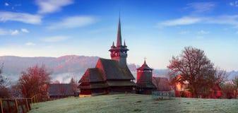 独特的木教会 免版税库存图片