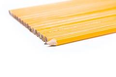 独特的概念没有2支铅笔 库存照片