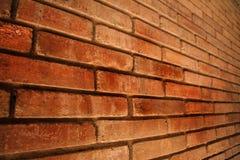 独特的看法的抽象墙壁褐色口气砖墙对背景的 库存图片