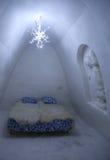 独特的美妙地装饰的雪室在LumiLinna雪城堡的雪旅馆里在凯米,芬兰 免版税库存图片