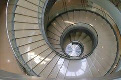 独特的老时尚螺旋形楼梯 库存图片