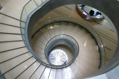 独特的老时尚螺旋形楼梯 免版税库存照片