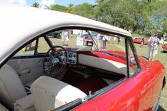 独特的经典美国敞篷车 免版税库存图片