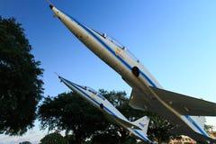 独立广场航天中心休斯敦两架喷气机,得克萨斯 免版税图库摄影