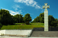 独立战争在自由正方形的胜利专栏在塔林,爱沙尼亚 库存照片
