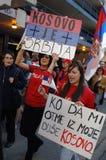 独立科索沃抗议者 免版税图库摄影