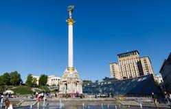 独立纪念碑在街市的基辅 库存图片