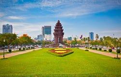 独立纪念碑在金边,柬埔寨 免版税库存图片