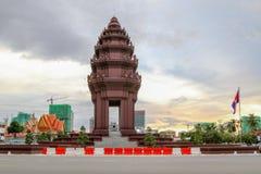 独立纪念碑是那个地标在金边,柬埔寨 图库摄影