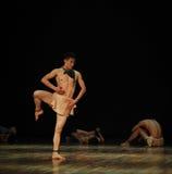 独裁者黑天使现代舞蹈舞蹈动作设计者亨利Yu 免版税库存图片