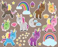 独角兽或马的逗人喜爱的传染媒介收藏 免版税库存图片