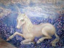 独角兽神仙的梦想的蓝色虹膜白色云彩 库存照片