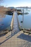 狭窄的脚桥梁横穿水 免版税库存图片