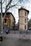 狭窄的街道在图卢兹 库存照片