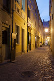 狭窄的街道在弗罗茨瓦夫老镇在波兰 库存照片