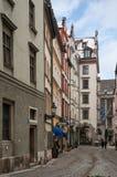 狭窄的街道在慕尼黑 库存图片