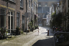 狭窄的街道在荷兰 图库摄影