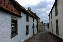 狭窄的街道在Culross,苏格兰 库存图片