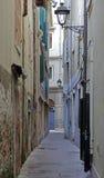 狭窄的街道的里雅斯特 库存图片