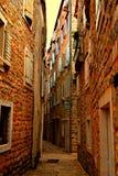 狭窄的街道 库存照片
