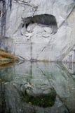 狮子卢塞恩纪念碑 免版税图库摄影