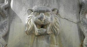 狮子喷泉, Manosque,普罗旺斯 免版税库存照片