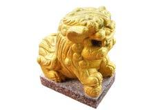 狮子在白色背景隔绝的石头雕刻 免版税库存图片
