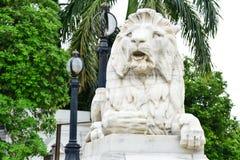 狮子在维多利亚纪念堂前面的监护人雕象 库存图片