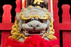 狮子增长的石头 生长中国的辛哈模型 免版税库存图片