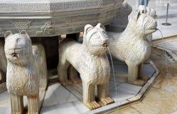 狮子的喷泉,阿尔罕布拉宫宫殿在格拉纳达,西班牙 免版税库存图片